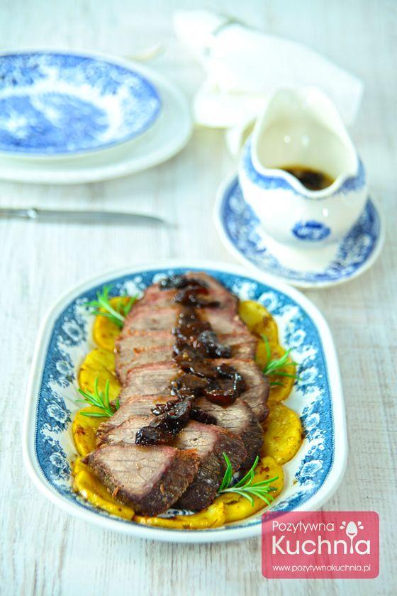Pieczeń wołowa na #obiad lub #kolacja, z dodatkiem #jablka i suszone #sliwki  http://pozytywnakuchnia.pl/pieczen-wolowa/  #przepis