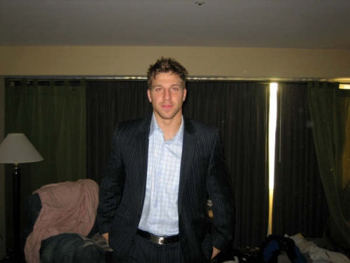 This is one HOT hockey player!
