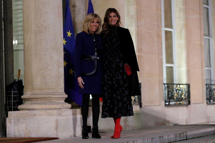 Cumbre de estilos en París: Juliana Awada y Brigitte Macron apostaron al azul noche en la cena de honor