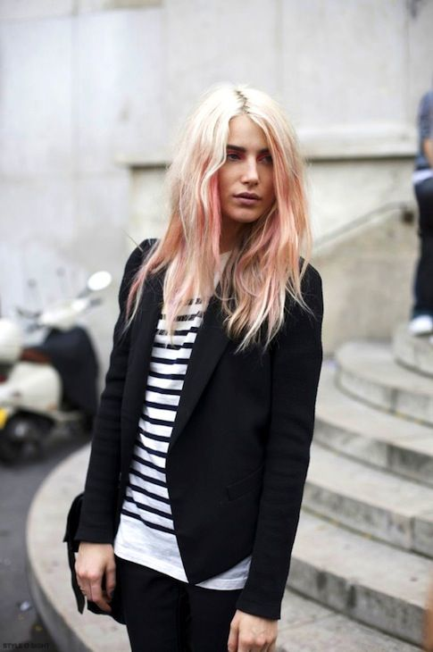 7 Inspiring Pink Ombre Hair Looks // Dree Hemingway in a blazer & striped tee #style #fashion #hair #model #streetstyle