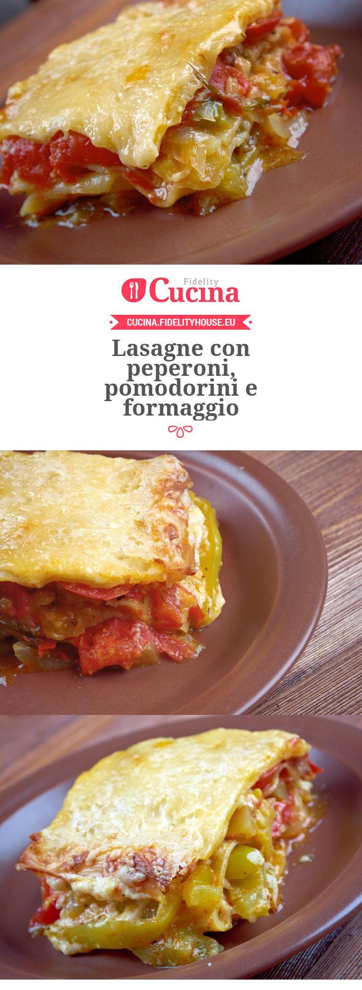Lasagne con peperoni, pomodorini e formaggio
