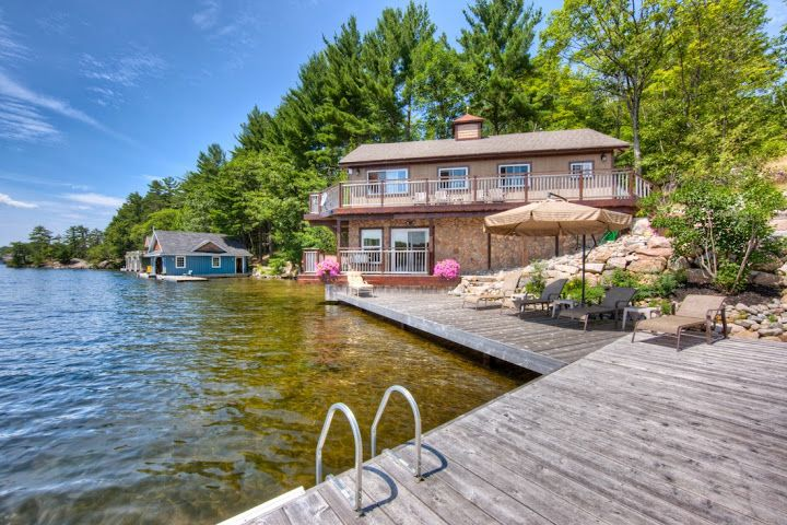 Lake Rosseau Waters Edge cottage listed at $965,000. Key features: privacy, all day sun south exposure,  4 bedrooms, 4 season open and airy main living areas with beautiful views from inside and outside. Contact Jack Janssen 705-646-4693 for more details or visit: http://www.muskokacottagelistings.com/lake-rosseau-cottage-waters-edge