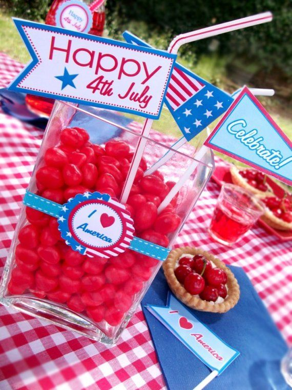 This could be a great jumping off point for a 4th of July candy bar.  The straw w/ flag is a cute addition.