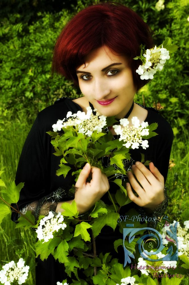 """""""Blumenmädchen"""" Photo by SF-Photos & Hieronymus-Pictures"""