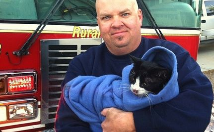 """Cat """"Cried Like a Child"""" During Fire: Meet The People Who Saved Her"""