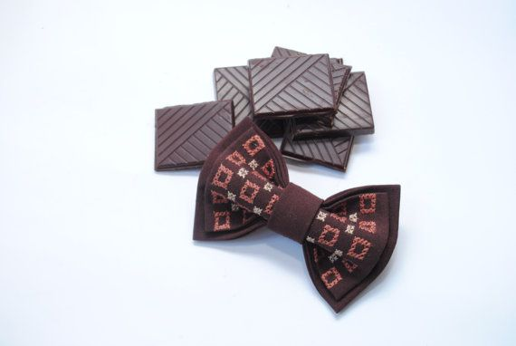 Embroidered bowtie. Great gift for him Embroidered handcrafted pretied unisex bow tie/ Ideal for summer celebrations  Colour: brown Avalaible sizes:  5*10 cm/1,9*3,9'' 6*11 cm/2,3*4,3'' 7*12 cm/2,7*4,7''   If yo... #bowtie #bowties