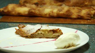 Apple Strudel - VideoCulinary.com