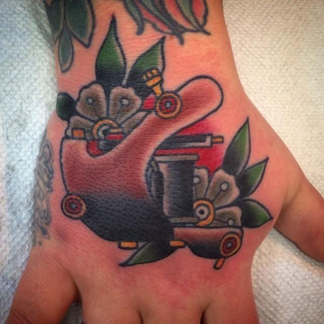 10 tatuajes de maquinas de tatuar 4