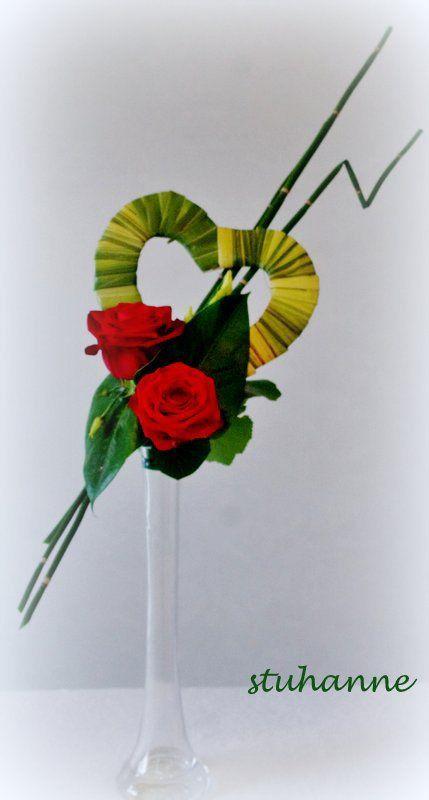 SAINT VALENTIN Coeur en carton recouvert de feuilles
