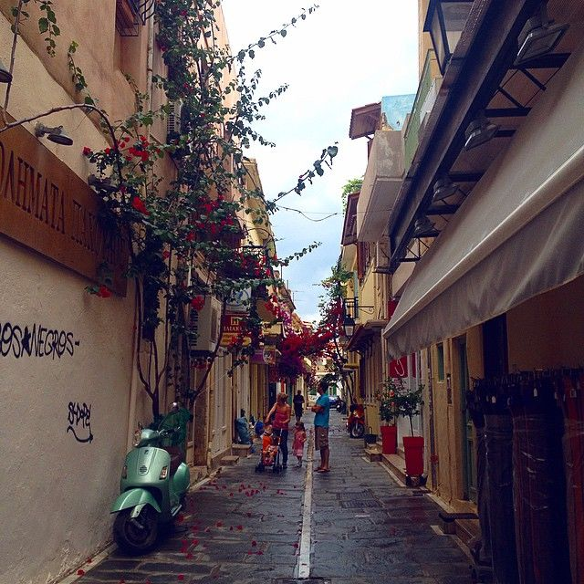 Walk around the old town of #Rethymno and be a part of #Cretan life! #Crete  Photo credits: @kozhemyakina_m