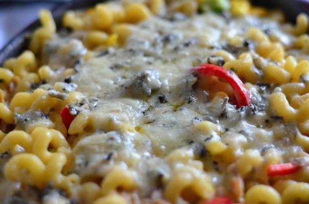 Buffali Chicken Mac'n'Cheese http://wygrywamzanoreksja.pl/gotujemy/robimy-porn-foody-buffalo-chicken-mac-n-cheese-listopad-2013/ fot. Szymon Kiżewski