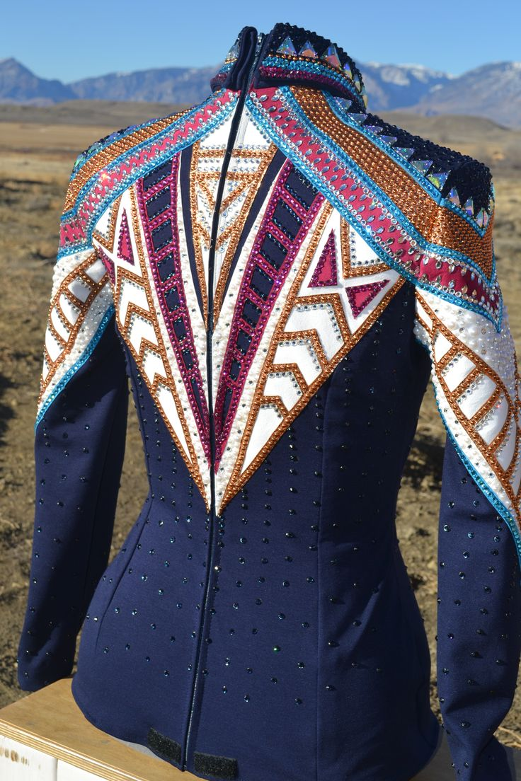 325 best expensive glitter images on pinterest horse for Show me western designs