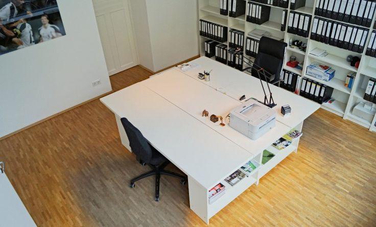 SCHÖNER, HELLER BÜRORAUM IN GEMEINSCHAFTSBÜRO IM ALTBAU  #Büro, #Bürogemeinschaft, #Köln, #Office, #Coworking, #Cologne
