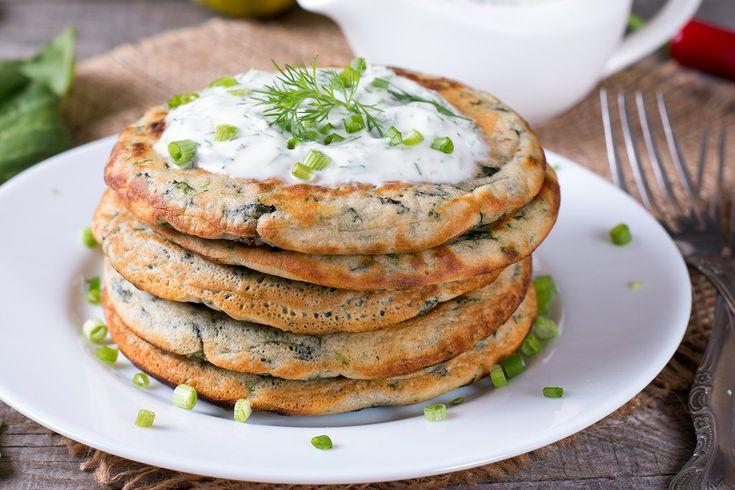 Deftige Pfannkuchen-Variation für einen gemütlichen Sonntags-Brunch. Zum Rezept für Wirsing-Pfannkuchen.