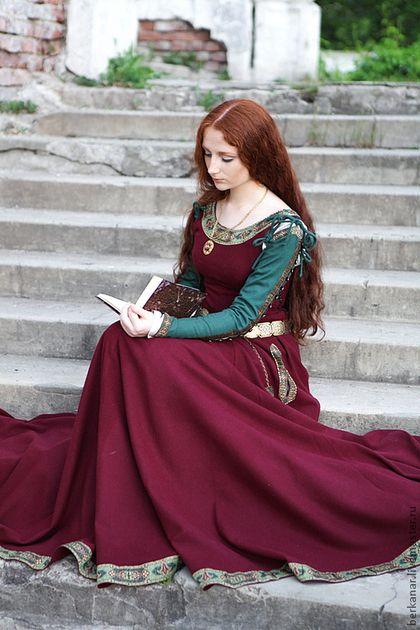 """Платья ручной работы. Ярмарка Мастеров - ручная работа. Купить Средневековое шерстяное платье """"Санса"""". Handmade. Бордовый, платье принцессы"""