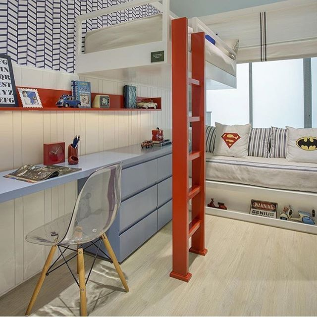 quarto de menino, madeira, vermelho, azul, branco, papel de parede, estampa