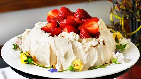 Peter Gordon: Pavlova Recipe