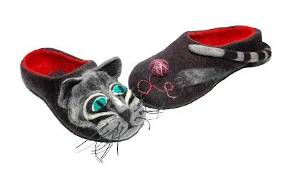 felting slippers cat
