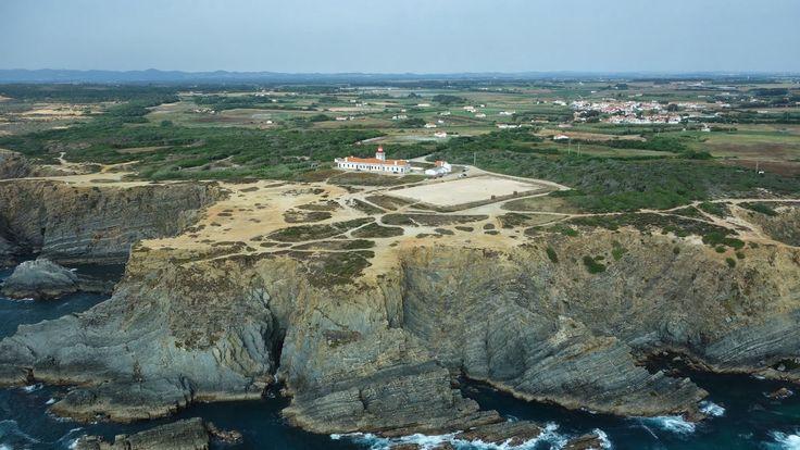 Cabo Sardão, Portugal | ... de odemira neste cabo foi construido o farol do cabo sardao wikipedia
