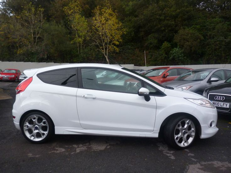 Ford Fiesta   Zetec S Dr   Mpg Many Extras