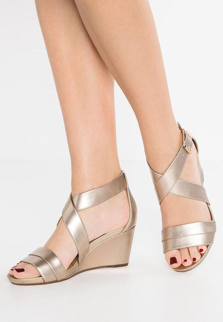 Clarks ACINA NEWPORT - Sandales compensées - gold metallic - ZALANDO.FR