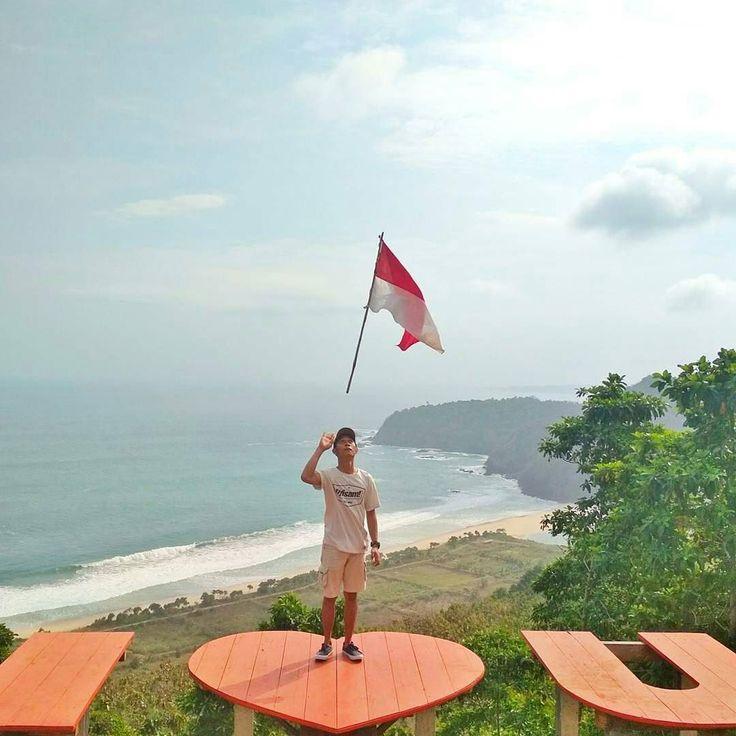 From @andrianlagi10 Selamat pagi Indonesia  . Loc : Waung Pantai Modangan Desa Sumberoto Kecamatan Donomulyo Malang