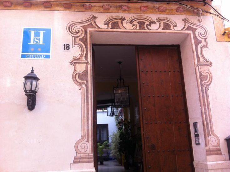 Casa de las Mercedes | Calle Hinestrosa, 18
