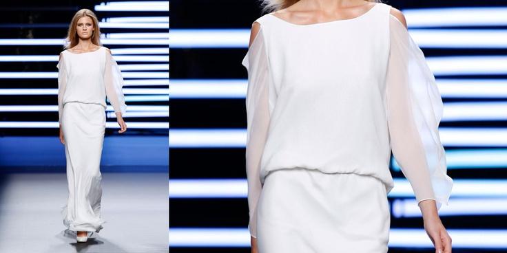 Teresa Helbig Spring Summer 2010  Pasarela 080 Barcelona https://vimeo.com/30033400