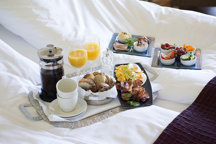 Breakfast in bed, room-service, breakfast, hotel living, good morning. Hotel Refsnes Gods.
