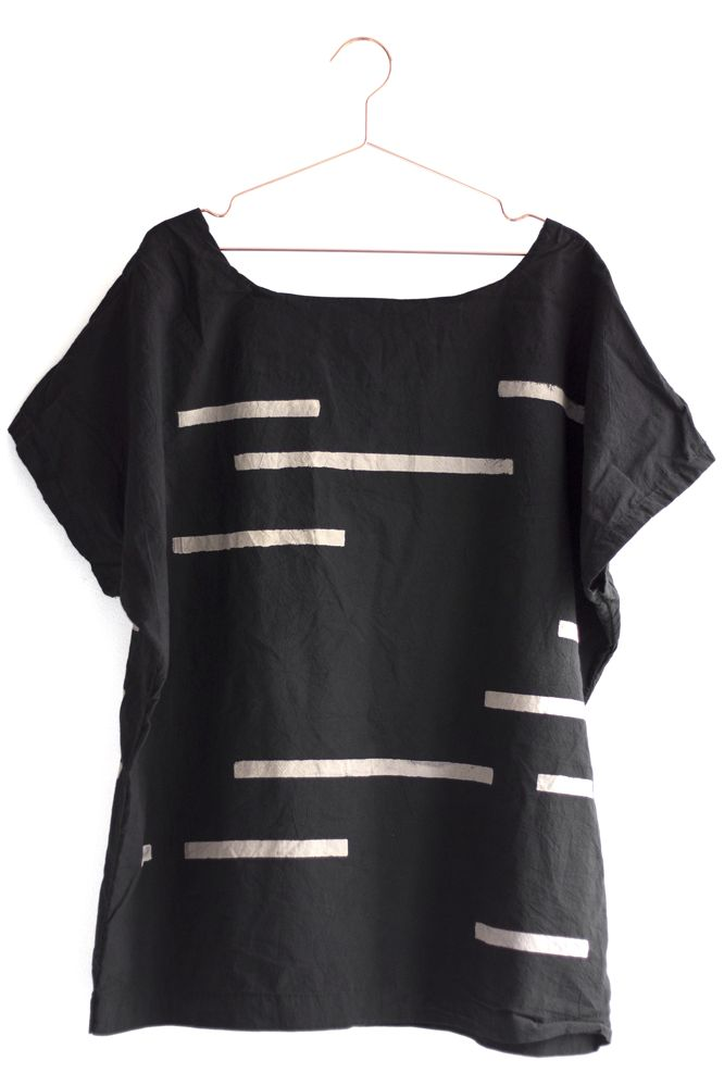 This makes a great travel shirt with its naturally wrinkly fabric.