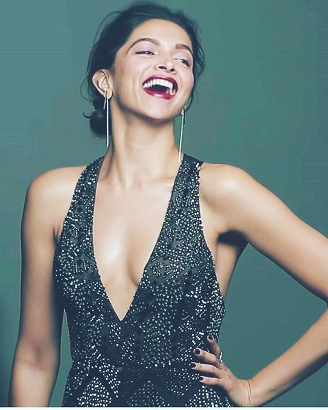 How graceful is that lovely laugh❤ #deepikapadukone
