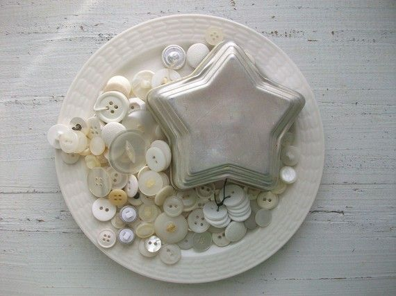 vintage buttons via all things white