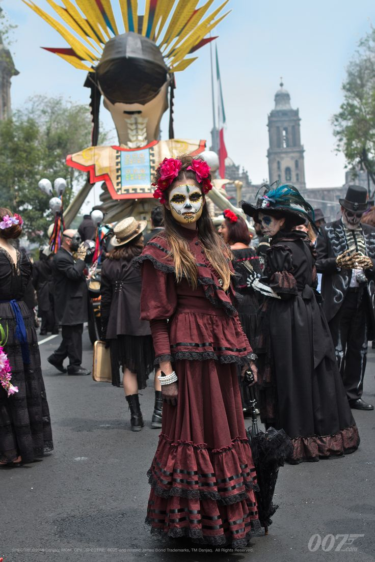 "The latest SPECTRE vlog focuses on filming the opening sequence set during the Day of the Dead festival in Mexico City. ""I wanted the audience to be dropped right into the middle of a very, very specific, very heady, rich environment. It's the Day of the Dead, everywhere you look there's colour and detail and..."