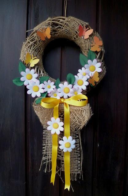 http://scrapbookingitaliablog.blogspot.it/2012/03/ghirlanda-per-tutto-lanno-primavera.html