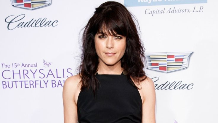 HellBoy's Selma Blair Joins Heathers Cast For Paramount Network
