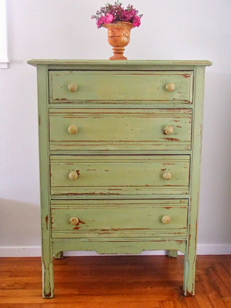 s Cottage and Design  Lucketts Green Chippy Dresser   like this green for  my coffee bar. Best 25  Green distressed furniture ideas on Pinterest   DIY