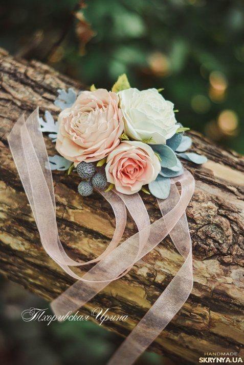 Свадебная бутоньерка для дружки из фоамирана