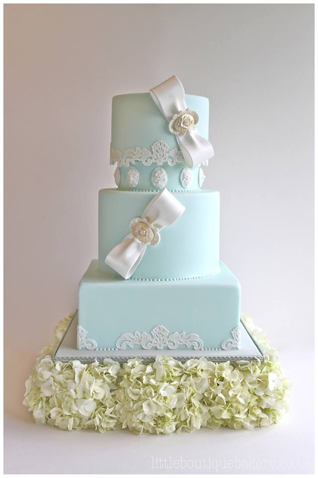 Wedding Cake Inspiration: Mint Vintage