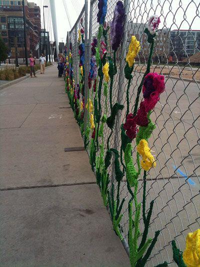 Graffiti Knitting Epidemic : Crochet and knit graffiti yarn bombing targets cool