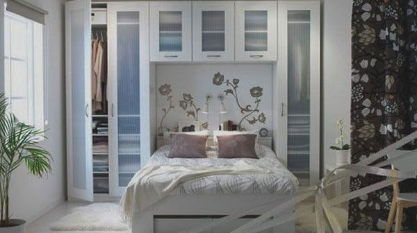 BED BETWEEN WARDROBES. WE NEED THIS. 40 Small Bedrooms Ideas To Make Your Home Look Bigger