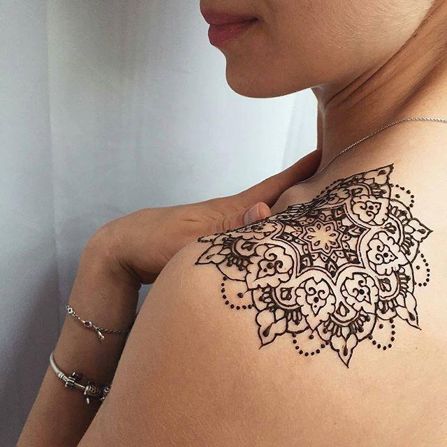 beautiful mandala tattoo from @veronicalilu on Instagram