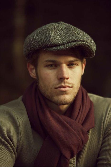 Les 65 meilleures images du tableau porter et nouer une tole sur pinterest conseils de mode - Nouer une echarpe ...