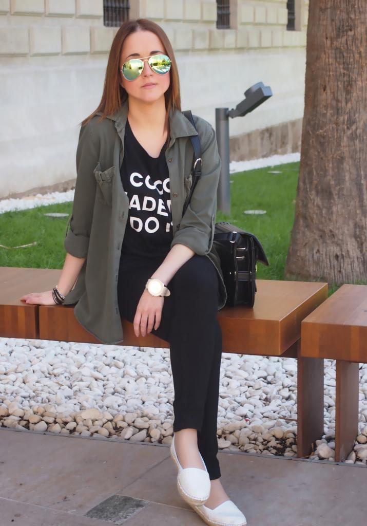 Coco made me do it 10-5-2014  Sobrecamisa : Zara Camiseta : Romwe Pantalones : Primark Alpargatas : El corte inglés