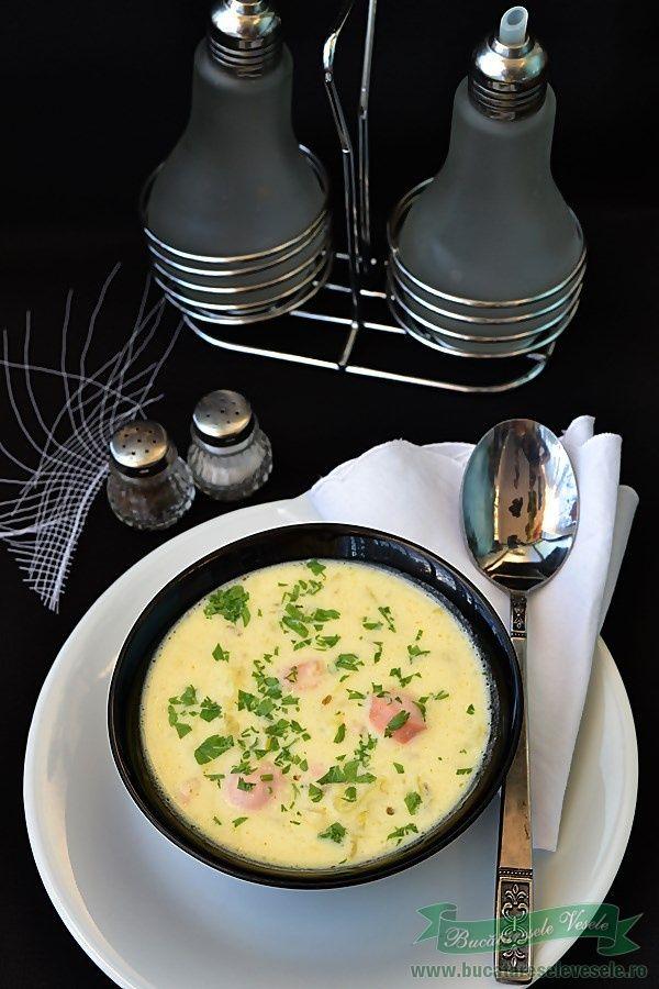 Supa de Varza Creata si Crenvusti este o supa usor de preparat si delicioasa. Nu necesita mult timp pentru preparare si va asigur ca va fi pe placul vostru. Pentru noi aceasta�Supa de Varza Creata si Crenvusti este in topul preferintelor mai ales acum cand varza creata se gaseste din belsug pe piata. Ingrediente Supa