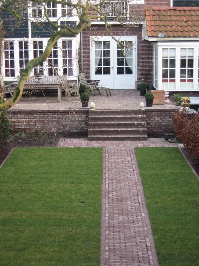 brick patio retainer and path