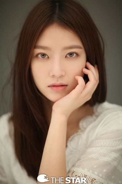 JehAnna shipper #TheK2 and Gong Seung Yeon Bias — Seung Yeon's eye color is AMBER not Hazel.....