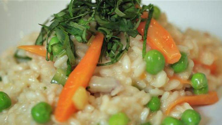 Risotto med grønnsaker. James og Adam Price lager mat uten kjøtt, da kommer de…