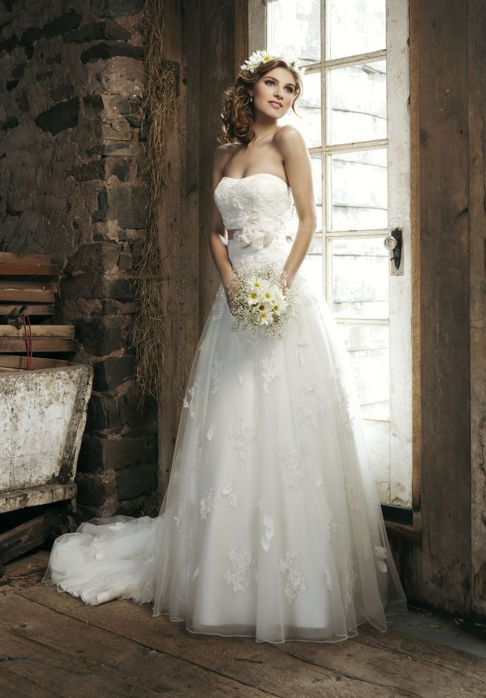1.Strapless Sweetheart A-Line Elegant Tulle Wedding Dress  2.Elegant Wedding Dress with Handmade Flowers Detail at Waistband and Bow Back  3.Floor Length Wedding Dress with Draped Skirt and Chapel Train