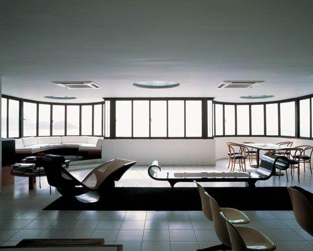 As casas de Oscar Niemeyer. Escritório de Oscar Niemeyer em Copacabana, no Rio de Janeiro, RJ.  Fotografia: Alan Weintraub.