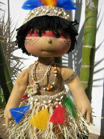 boneco de pano inspirado nos índios pataxós R$ 600,00